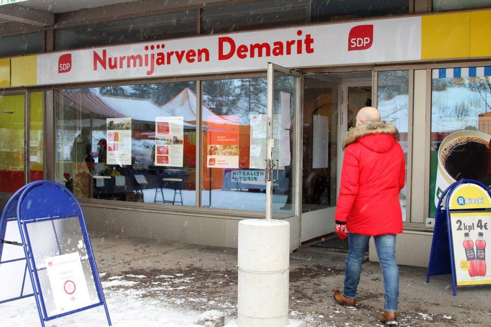 Vaalikahvila Klaukkalassa 2017 kuntavaaleissa